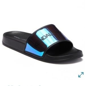 Nwt, Kendall and Kylie pool side slides